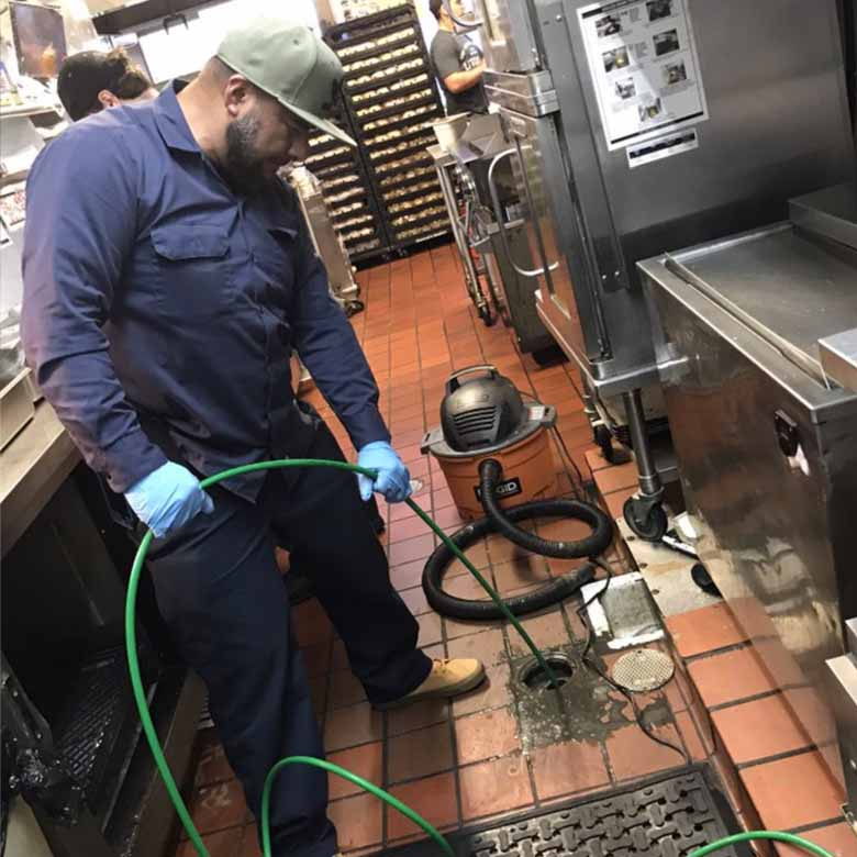 Plumbing service in los angeles for grease trap, grease interceptor overflowing. Hydro jetting service will get rid of grease build up in the pipelines. Commercial plumber for restaurant, drains with grease overflowing. Installation of grease trap for restaurants.